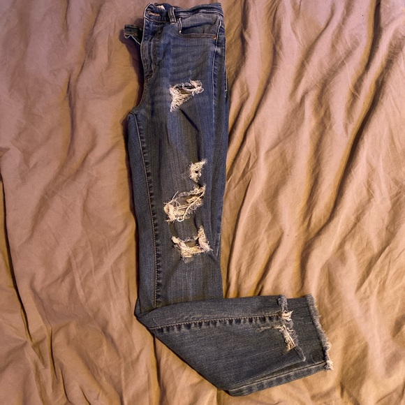 """High Rise ripped Garage skinny jeans! Size 3 (26"""")"""